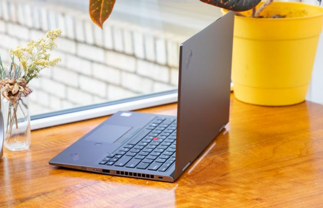 laptop Lenovo ThinkPad X1 Yoga Gen 4 2019 3